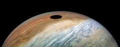 Éclipse de Soleil sur Jupiter 2.jpg